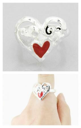 REDUCED......Silver Heart Stretch Ring......FREE SHIPPING