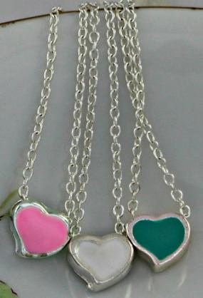 $2.......Petite Heart Pendant Necklace....FREE SHIPPING