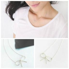 $2.......Dainty Bow Necklace