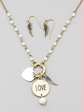 Love Message Pearl Necklace Set