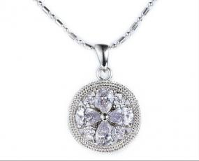 Parisienne Flower Crystal Pendant Necklace....FREE SHIPPING