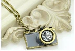 Snap Shot Necklace in Gray