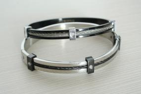 Limited Stock- Stainless Steel Rhinestone Cable Bracelet in Black and Silver